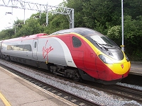 Class 390 Pendolino photograph (Milton Keynes, June 2005)--click to enlarge